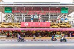 Een typische scène in Patong Thailand royalty-vrije stock afbeeldingen
