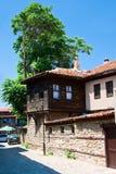 Een typische straat van de oude stad van Bulgarije Stock Afbeelding