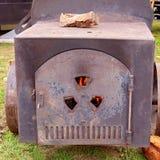 Een Uitstekende Hout In brand gestoken Oven stock foto's