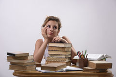 Een Universitaire student treft voor examens voorbereidingen Royalty-vrije Stock Foto's