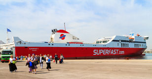Een veerboot in het Middellandse-Zeegebied stock afbeeldingen