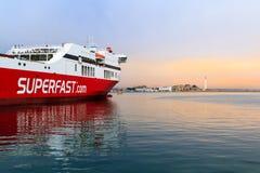 Een veerboot in het Middellandse-Zeegebied royalty-vrije stock fotografie