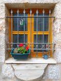 Een venster van een oud huis royalty-vrije stock fotografie