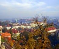Een verbazende mening van Praag in de herfst Royalty-vrije Stock Foto's