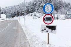 Een verkeerstekenwaarschuwing stock afbeelding