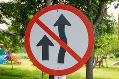 Een verkeerswaarschuwingsbord Stock Fotografie