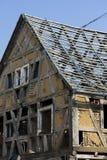 Een verlaten en geruïneerd huis Stock Foto's