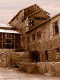 Een verlaten oude fabriek royalty-vrije stock foto's