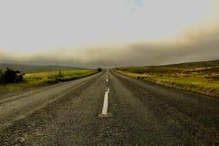 Een verlaten weg stock fotografie