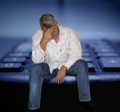 Een verontruste mens Stock Fotografie