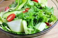 Een vers Gemaakte Salade Royalty-vrije Stock Foto's