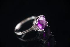 Violetkleurige ring Stock Foto