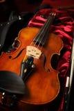 Een viool in vioolgeval Stock Afbeelding
