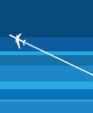 Een vliegtuig tijdens de vlucht Stock Afbeeldingen