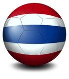 Een voetbalbal met de vlag van Thailand Stock Foto