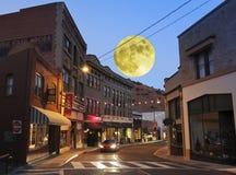 Een Volle maan in Bisbee tijdens de Vakantie Royalty-vrije Stock Foto's