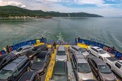 Een volledige veerboot die, Quebec kruisen royalty-vrije stock foto's