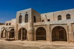 Een voorgevel en een ingang aan Aqeer-Kasteel, Saudi-Arabië stock afbeelding