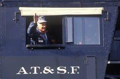 Een voortbewegingsingenieursgolven van het venster van een motor van de Atchison, Topeka, en Santa Fe-spoorweg Royalty-vrije Stock Afbeelding
