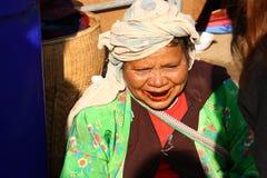 Een vrouw bij een markt in Angkhang, Thailand 19 20014 Dec Geen model Stock Afbeelding