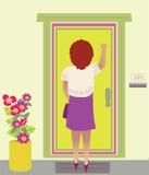 Een Vrouw die op de deur kloppen Stock Afbeeldingen