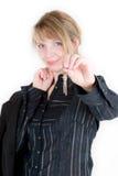 Een vrouw met nieuwe sleutels Stock Fotografie
