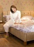 Een vrouw in slaapkamer Royalty-vrije Stock Foto