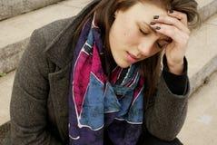 Een vrouwen whith pijn Stock Fotografie