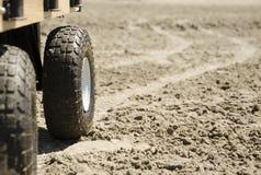 Een wagen op het zand Stock Foto's