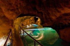 Een waterpool in Rivierhol in Jenolan holt, Australië uit royalty-vrije stock afbeeldingen