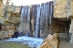 Een waterval in patk Stock Afbeeldingen