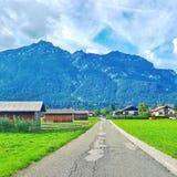 Een weg aan de berg Stock Afbeeldingen