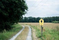 Een weg bij nationaal park van Spreewald Stock Foto's