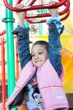 EEN WEINIG het mooie kind hangen royalty-vrije stock foto's