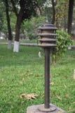 Een weinig mooie lampposten op opperst hofgebied royalty-vrije stock afbeelding