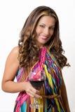 Een wellustig brunette met een glas rode wijn Stock Afbeelding