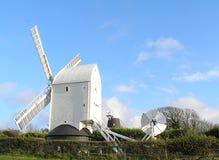 Een werkende windmolen Stock Fotografie