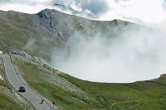 Een windende bergweg in Frankrijk Stock Afbeeldingen
