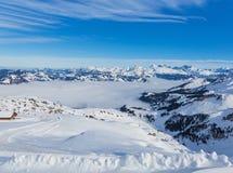Een wintertijdmening van MT Fronalpstock in Zwitserland Stock Fotografie