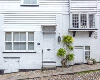 Een wit die huis in Rogge, Kent, het UK wordt gezien Stock Afbeelding