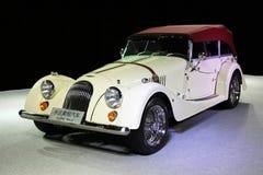 Een witte Morgan-open tweepersoonsauto Royalty-vrije Stock Foto