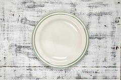 Een witte plaat Een Voorwerp clean Voor voedsel Mening van hierboven Voor uw ontwerp Textuur royalty-vrije stock fotografie
