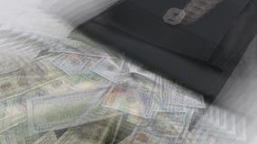 Een zak zure groene pruim en geld van 20 het Turkse Lirebankbiljetten, stock videobeelden