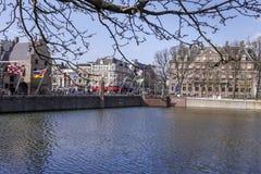 Een zonnige dag van de winter in Buitenhof in de stad van Den Haag royalty-vrije stock afbeeldingen