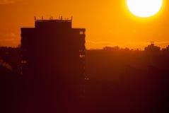 Zonsondergang in stad Stock Fotografie