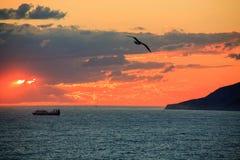 Een zonsondergang in de Zwarte Zee Royalty-vrije Stock Foto's