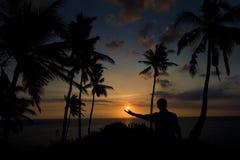 Een Zonsondergang in mijn hand, Lombok-Eiland Indonesië Royalty-vrije Stock Afbeelding