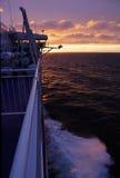 Een zonsondergang op het overzees Royalty-vrije Stock Foto's