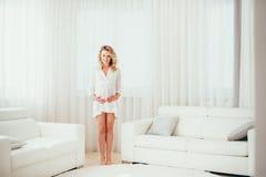 Een zwangere vrouw Royalty-vrije Stock Fotografie