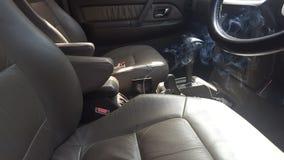 Een Zware auto met sigaretrook en het leder eindigen, Gedenkwaardige ogenblikken stock fotografie
